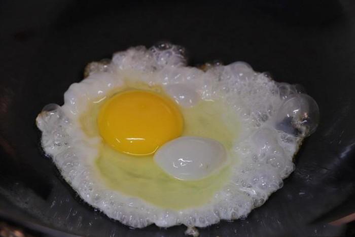Chiên trứng gà