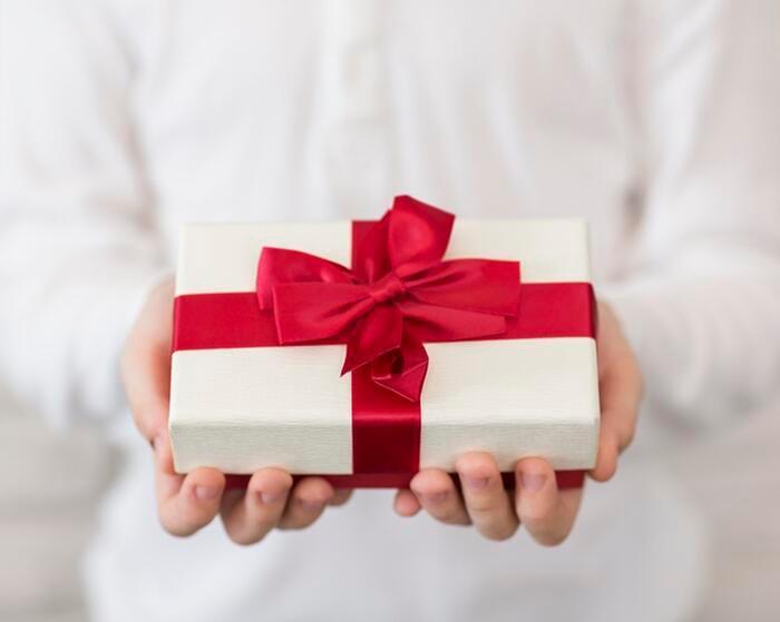 Tặng quà cho hội chị em chưa bao giờ là vấn đề dễ dàng cả