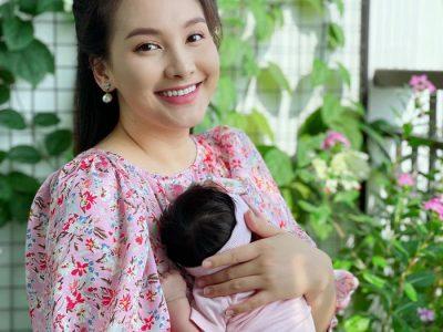 Bảo Thanh bên con gái Nanu